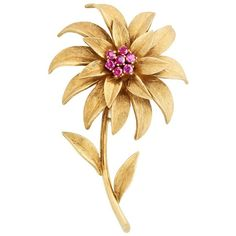 Preowned 1950s Tiffany & Co. Ruby Flower Pin (161.630 RUB) ❤ liked on Polyvore featuring jewelry, brooches, multiple, tiffany co jewellery, ruby jewellery, 18k jewelry, pre owned jewelry and tiffany co jewelry
