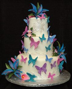 Calla Lily, Stargazer Lilies, Cake Creations, Let Them Eat Cake, Getting Married, My Design, Wedding Cakes, Butterflies, Desserts