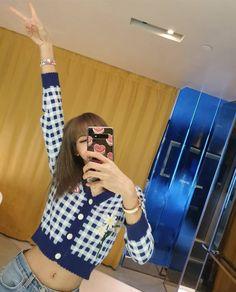 Find BlackPink Clothes, KPOP Sweaters & KPOP Cardigans for an affordable price Wallpaper Rose, Elegant Summer Dresses, Rapper, Foto Casual, Black Pink Kpop, Blackpink Photos, Blackpink Fashion, Poses, Blackpink Lisa