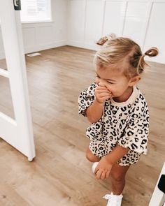 Infant Toddler Baby Boy Girl Clothes Leopard Outfit Short Sleeve Pocket T-Shirt Top and Shorts Clothing Fashion Kids, Baby Girl Fashion, Toddler Fashion, Toddler Outfits, Children Outfits, Fashion 2020, Fashion Fashion, Fashion Women, Fashion Outfits