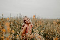 Arizona Flower Field Senior Photoshoot - Senior Picture Information - Lakota East High School Summer Senior Pictures, Senior Photos Girls, Senior Pics, Outside Senior Pictures, Senior Picture Poses, Friend Senior Pictures, Country Senior Pictures, Grad Pics, Friend Pictures