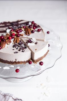 More raw vegan desserts, vegan raw, vegan christmas desserts, raw vegan Raw Vegan Cake, Raw Vegan Desserts, Raw Cake, Vegan Treats, Raw Food Recipes, Vegan Raw, Raw Vegan Cheesecake, Healthy Recipes, Cheap Recipes