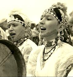 Morocco - Berber Women in chorus, 1950's postcard #morocco #moroccan #berber #women #culture #chorus #singing #postcard #vintage #photography