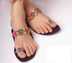Like dressing and fashion accessories, footwear has large variety of seasonal and casual range. Borjan footwear collection has true instance of this. Shoes Flats Sandals, Beaded Sandals, Cute Sandals, Girls Sandals, Shoe Boots, Women's Shoes, Indian Shoes, Quoi Porter, Stylish Sandals