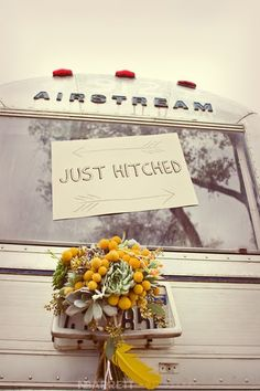 Airstream Wedding Photoshoot. Flowers: Bows and Arrows, Photography: nbarrettphotography
