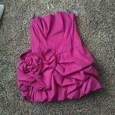 *Host Pick* Magenta Party Dress Magenta Jessica McClintock party dressm Strapless. In excellent condition. I wore it once on my 21st birthday. Zips up in the back. Paid $300 Jessica McClintock Dresses Prom
