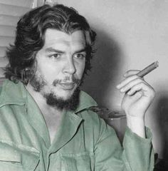 """Today, I had something of a domestic dispute with an on-line acquaintance who asked me what I thought about my uncle Ernesto """"Che"""" Guevara having been a """"butcher. Che Quevara, Che Guevara Photos, Cuba, Havana, Trinidad, Ernesto Che Guevara, Pan Africanism, 18th Century Costume, Islamic Paintings"""