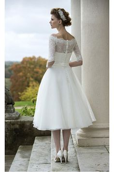 View our range of affordable tea length wedding dresses from Brighton Belle. Featuring vintage style short bridal gowns & unique retro t-length wedding dresses. Wedding Dress Trends, Wedding Bridesmaid Dresses, White Wedding Dresses, Bridal Dresses, Wedding Ideas, Wedding Dress Organza, Tulle Wedding, Wedding Gowns, Tulle Lace