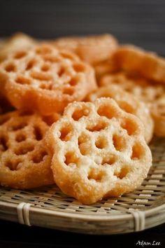 Kuih Rose/ Kuih Loyang/ Honeycomb Cookies | t3ngt3ng.blogspot.com