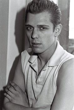 Paul Simonon, bass player with The Clash posed in London in Get premium, high resolution news photos at Getty Images Paul Simonon, Weekend Film, Mick Jones, Joe Strummer, Gender Bender, Indie Movies, The Clash, Black And White Portraits, Film Quotes