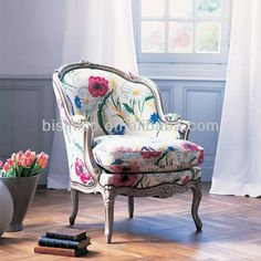 French Furniture Chair Products 37 New Ideas French Furniture, Cool Furniture, Furniture Design, Wicker Furniture, Chair Design, Floral Chair, Floral Fabric, Floral Prints, Love Chair