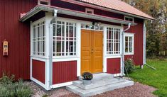 Sweden House, Red Houses, Yellow Doors, Deco, Front Porch, Beach House, Shed, Farmhouse, Cottage