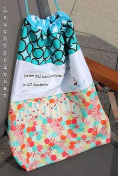 Leuchtzeichen: Seesack mit Winkeralphabet ... Von: http://leucht-zeichen.blogspot.de/2013/08/seesack-mit-winkeralphabet.html