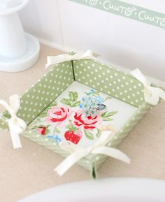 ribbon tray -- this is handmade by a Japanese instructor in Tokyo. Her site is full of beautiful things she's created. I want to make this kind of thing with foam core.