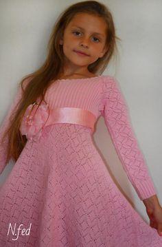 Knitting For Kids, Crochet For Kids, Free Knitting, Crochet Art, Crochet Woman, Crochet Blanket Patterns, Baby Knitting Patterns, Knit Skirt, Knit Dress