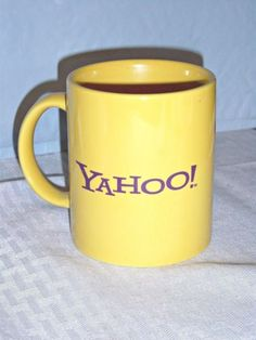 Yahoo-Yellow-Ceramic-Coffee-Tea-Chocolate-Mug-Pencil-Cup-Purple-Letters-12oz