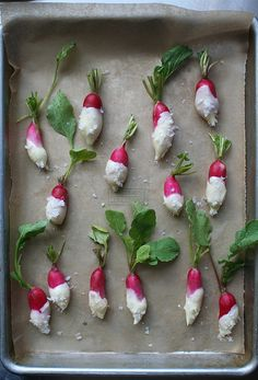 Salted Butter Radishes - Simplicity and style make these the perfect app for your next get-together. Plus, they're tasty. Tapas, French Breakfast Radish, Radish Recipes, Radish Ideas, Cantaloupe Recipes, Appetizer Recipes, Appetizers, Mezze, Spring Recipes