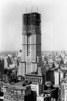 Empire State Building Construction 1930 Poster Handmade Gallery Print Historic Photo New York City Architecture NYC William F. Vintage Pictures, Old Pictures, Old Photos, Empire State Building, Chrysler Building, World Famous Buildings, Modern Buildings, New York City, Famous Structures