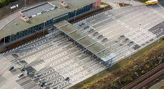 DF vil have strammere grænsekontrol Grænsekontrol giver erhvervslivet få gener, men pendlere over Øresund har fået markant længere rejsetid.