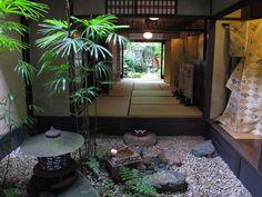 Garden pictures courtyard gardens and holly fern on pinterest - Japanese zen garden indoor ...