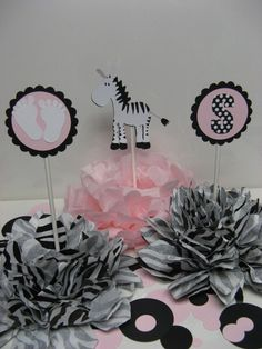 POMPOM Table Decoration set of 3  includes CONFETTI by missdaisyw, $24.00