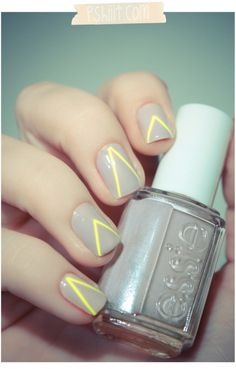 grey and yellow // nails o.O