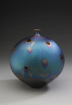 「Vase with Peacock glaze」陶磁器 H26xW24㎝ Hideaki Myiramura