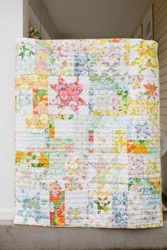 vintage sheet quilt - inspired by Inumerable. Love the stars Vintage Sheets, Vintage Quilts, Vintage Fabrics, Vintage Sewing, Vintage Linen, Vintage Floral, Quilting Projects, Quilting Designs, Sewing Projects