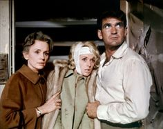 Tippi Hedren, Rod Taylor, and Jessica Tandy in The Birds.