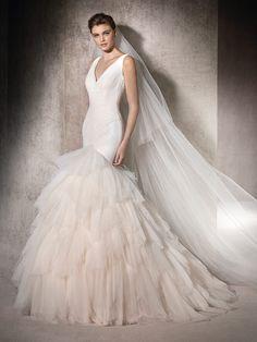 Vestido de novia con escote en pico - Meril