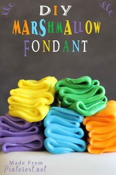 Marshmallow fondant recipe. I HAVE to try this...fondant is becoming more and more popular and I want my family and friends to enjoy the fun cakes made with fondant!!!! #diy #marshmallow #fondant #recipe