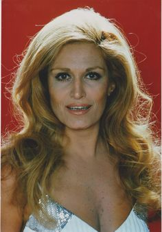 Dalida Mike Brant, Dalida, Celebrity Singers, Attitude Is Everything, Artists And Models, Idole, Jolie Photo, Beautiful People, Actors