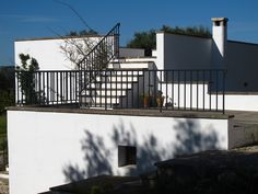 The new building and the old garage (80 mq terraces on 2 levels)  www.trullodiraffa.it