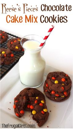 Reese's Pieces Chocolate Cake Mix Cookies Reese's Pieces Schokoladenkuchen-Kekse Cake Mix Cookie Recipes, Yummy Cookies, Rolo Cookies, Cake Cookies, Kiss Cookies, Cookies Soft, Sugar Cookies, Cupcakes, Köstliche Desserts