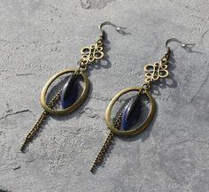 fr_bijou_createur_boucles_d_oreilles_pendantes_bronze_antique_estampes_anneaux_creoles_gouttes_et_sequins_emailles_bleu_et_noir_
