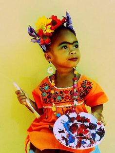 Baby Frida Kahlo painter - adorable!