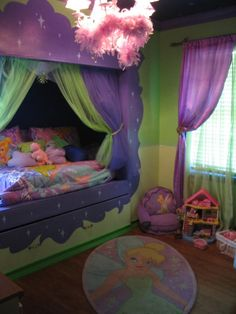 my daughter would love this bed! all tinkerbell