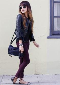 burgundy jeans + black blouse + leather jacket.
