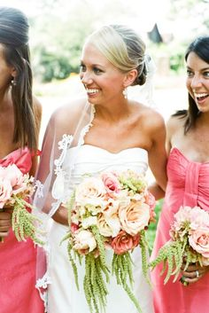 Bride and bridesmaid bouquets for a June Gloriosa at Serenbe wedding
