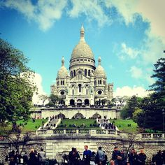Basilique du Sacré-Cœur - beautiful building and beautiful views from the top of the hill