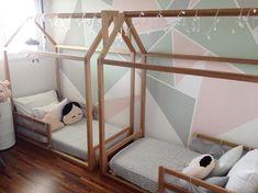 Cama montessoriana: 80 modelos para ajudar na autonomia das crianças Twin Baby Rooms, Boy And Girl Shared Bedroom, Bed For Girls Room, Big Girl Rooms, Baby Bedroom, Boy Room, Kids Bedroom, Diy Toddler Bed, Toddler Rooms