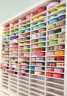 Washi or ribbon storage. Spray paint an old cassette tape holder white and slide in the washi or ribbon. Scrapbook Storage, Scrapbook Organization, Craft Organization, Washi Tape Storage, Ribbon Storage, Craft Room Storage, Craft Rooms, Diy Papier, Creation Deco