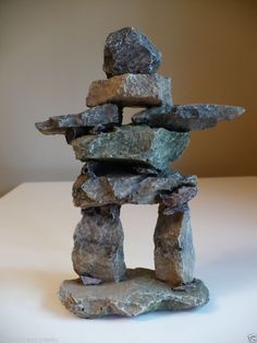 8 IN.INUKSHUK GARDEN FIGURINE inuit guide statue resin stone aboriginal style E