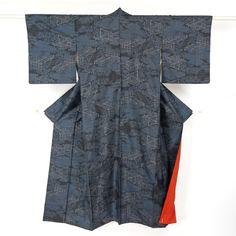 Navy, silk, tsumugi komon / シュッと絹鳴りのする平織り紬地の小紋 http://www.rakuten.co.jp/aiyama #Kimono #Japan #aiyamamotoya