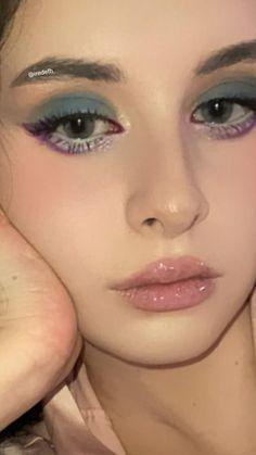 Purple Eyeshadow, Colorful Eyeshadow, Eyeshadow Looks, Colorful Makeup, Simple Makeup, Eyeshadow Palette, Makeup Art, Makeup Tips, Eye Makeup