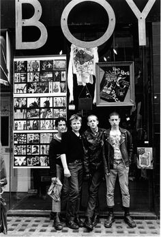 London is full of cool things. But it was much more exciting, and intriguing in the late  70's while punk and mod , and two-towne ska were emerging.... this picture really captures all that ambiguity, energy,and change, nicely.   boy+shop+kings+road (photographer: Janette Beckman)