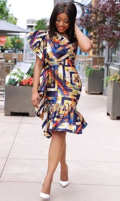 Fashionable Ankara Styles to slay is the trend we have decided to put up for you to consider this time when you have gotten a nice Ankara Fabric and … African Wear Dresses, Ankara Dress Styles, African Fashion Ankara, Latest African Fashion Dresses, African Print Fashion, African Attire, Ankara Mode, African Inspired Clothing, Africa Dress