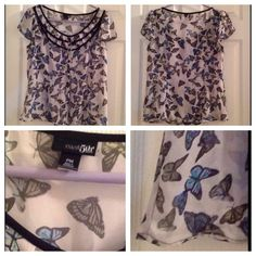 Classy East 5th Button Front Butterfly Blouse Beautiful east 5th Petite Medium button front short sleeve butterfly blouse. This is see-through, to be worn as top layer. New without tags! East 5th Tops Blouses