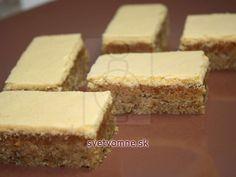 Žĺtkové rezy • Recept | svetvomne.sk Cornbread, Diy And Crafts, Cheesecake, Baking, Ethnic Recipes, Basket, Cookies, Dios, Yummy Cakes