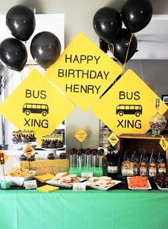 Wheels on the Bus Birthday Party on - so cute! great for a school party too! www.marigoldmom.com